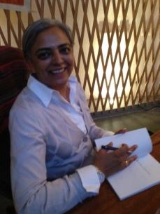 Aruna book signing, Casa